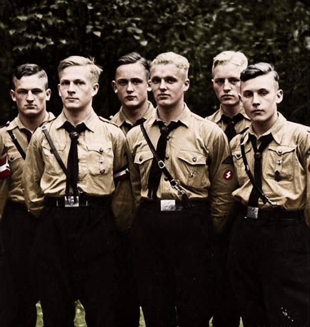 Hitler Jugend&BDM01