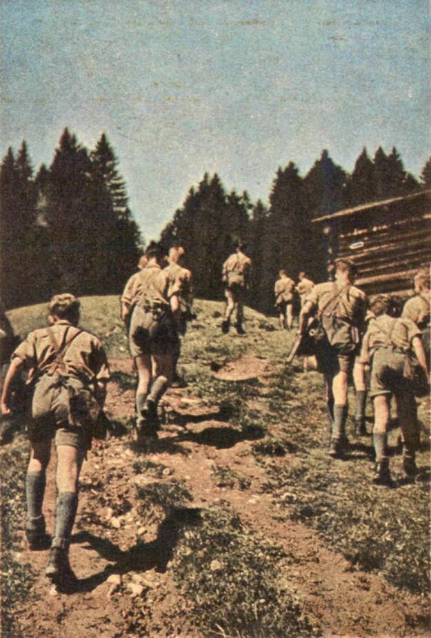 Hitler Jugend&BDM05