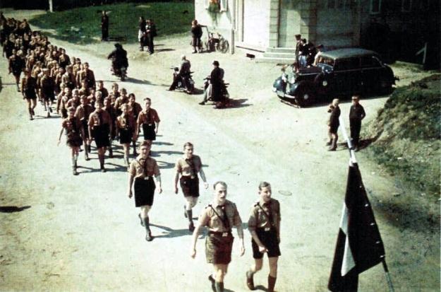 Hitler Jugend&BDM10